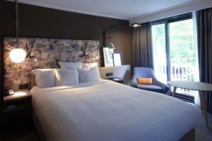 marriott-regents-park-bedroom-3.jpg