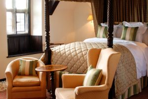 The-lygon-arms-bedroom.jpg