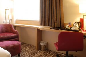 brunel-uni-lancaster-lodge-bedroom-sidetable.jpg