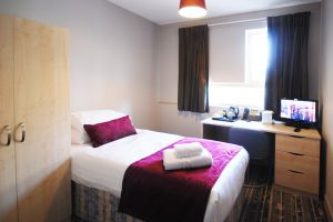 brunel-uni-lancaster-lodge-bedroom-single.jpg