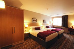brunel-uni-lancaster-lodge-bedroom.jpg