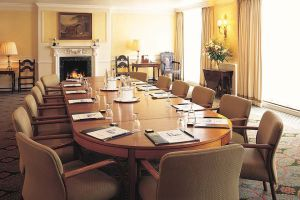 The-Lygon-Arms–meeting-room.jpg